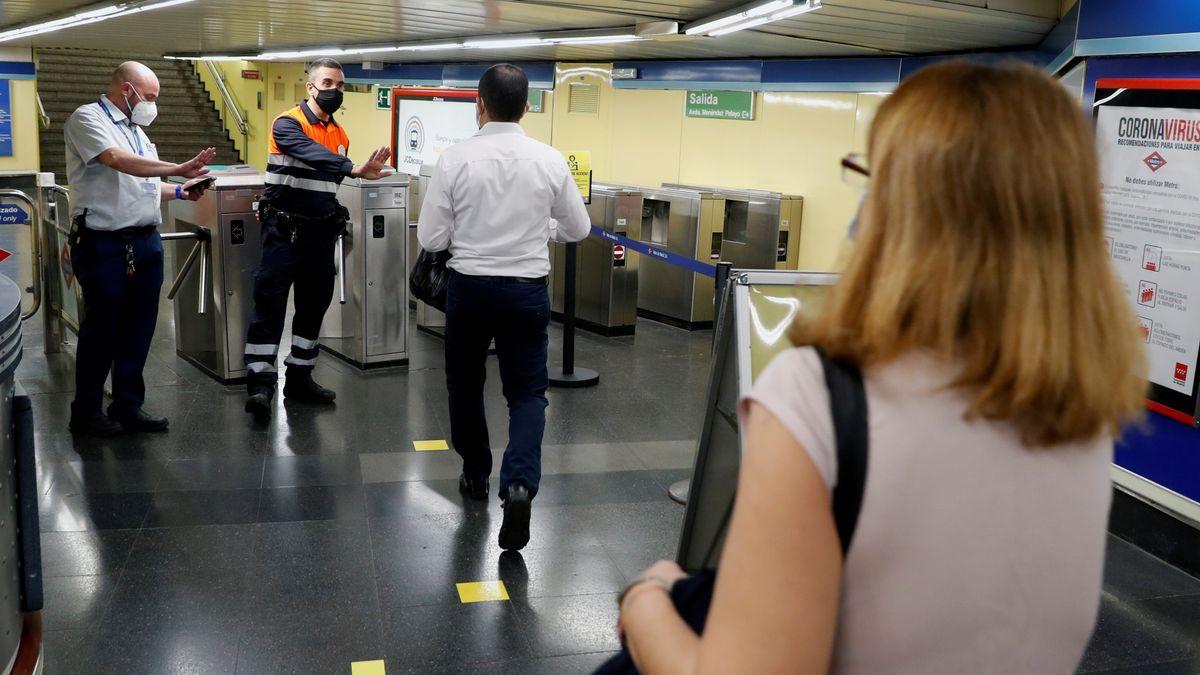 Madrid ya prohíbe comer o beber en sus buses y por ende quitarse mascarilla